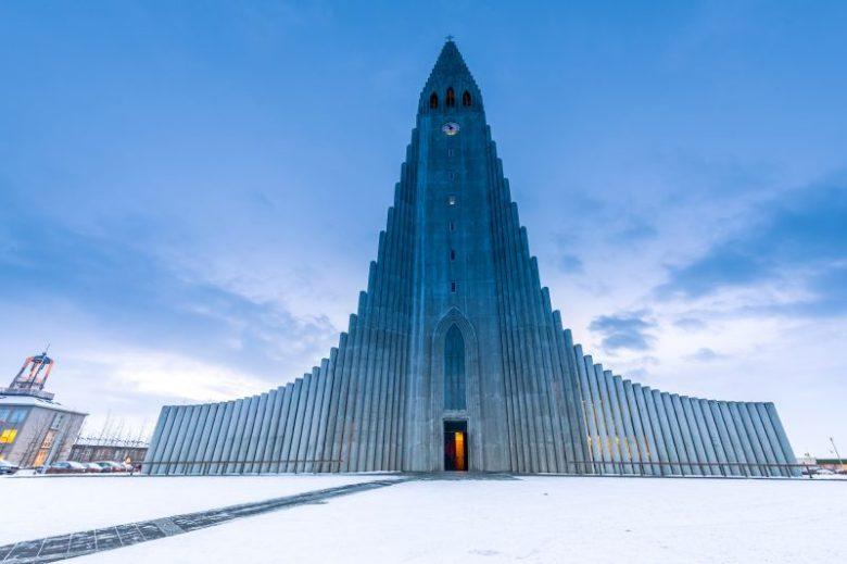 iceland-reykjavik-hallgrimskirkja-winter-istk-800x0-c-default